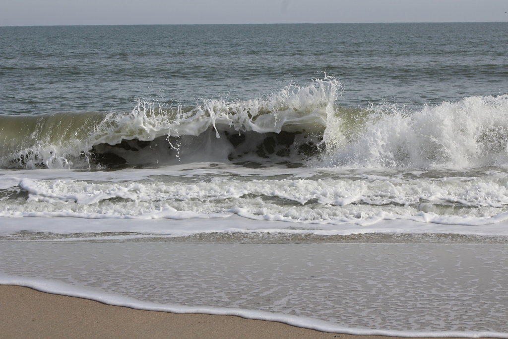 Waves at Worlds' End